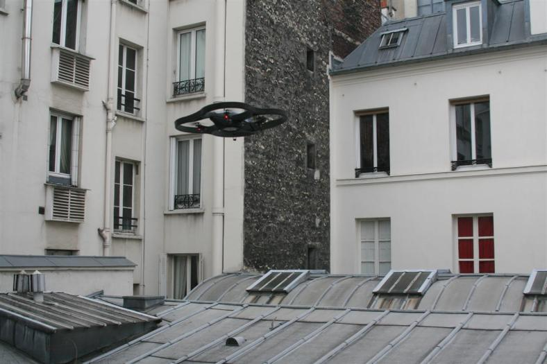 ar_drone-flying-over-buildings-in-paris-january-4th-2010