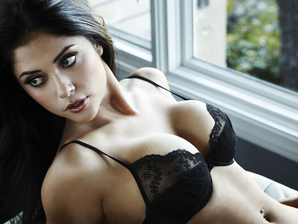 arianny-celeste-covered-topless-in-ufc-photoshoot-march-2013-05