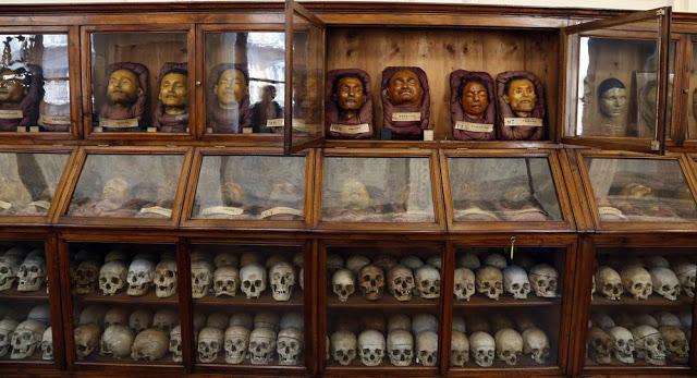 Caras y cadaveres