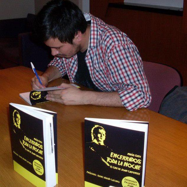 MatíasOrta-firmando