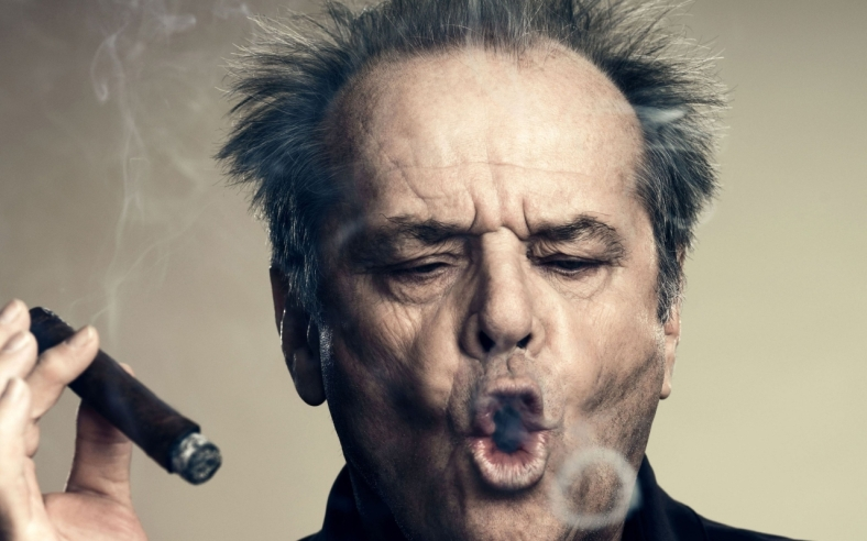 actor_jack_nicholson_smoking_a_huge_cigar-1280x800
