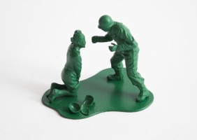 dorothy_0025h-casualties-of-war-toy-soldiers